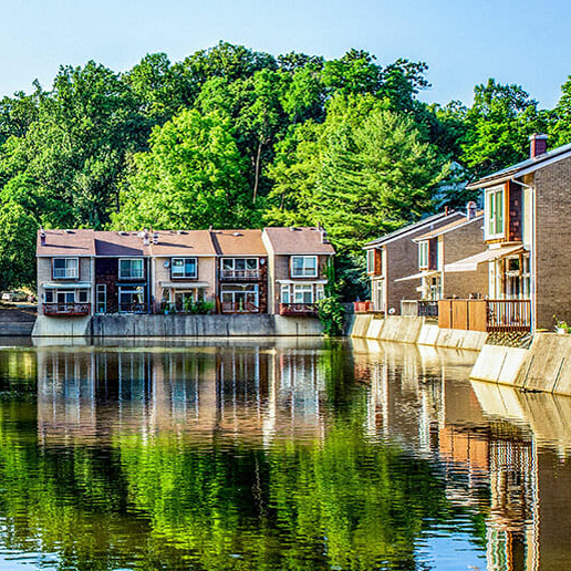 Townhomes on Lake New Mark